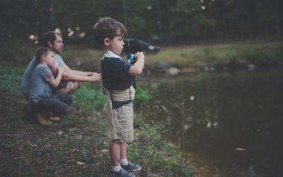 3 aktiviteter for ungerne, som de kan nyde på fisketuren